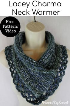 The crochet lacey Charma neck warmer will be your new favorite neck warmer! Easy to make with a gorgeous lacey egde. Crochet Scarves, Crochet Shawl, Crochet Yarn, Free Crochet, Knit Cowl, Crochet Granny, Hand Crochet, Chrochet, Crochet Flowers