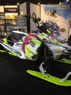 I wouldn't want a freeride but I love the wrap and skis Winter Fun, Winter Sports, Snow Toys, Ski Doo, Snow Machine, Snow Girl, Mens Toys, Quad Bike, Snow Fun
