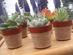Vasos decorados com barbante ou juta