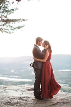 Kat-and-Tyler-Chattanooga-Engagement-Session-Lookout-Mountain-Engagement-photos-chattanooga-wedding-photographer_0040(pp_w768_h1152) Kat + Tyler // Chattanooga Lifestyle Engagement Session on Sunset Rock // Chattanooga Wedding Photographer