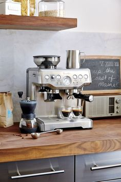 A double shot of coffee scoops offers the options of mild or strong, regular or espresso—even tea—in 1 or 2 tablespoon measures. Slim design fits easily into canisters. Small Coffee Shop, Coffee Bar Home, Home Coffee Stations, Coffee Corner, Coffee Area, Coffee Bar Station, Coffee Bars In Kitchen, Iced Coffee, Coffe Machine