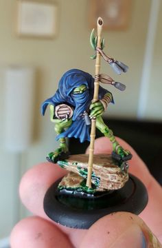 HI all, my name is Russ and I work as a sculptor for the games industry. I also enjoy gaming and painting, and recently (three weeks ago) got into Malifaux....