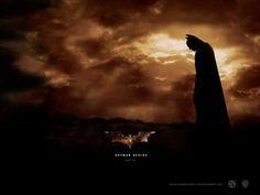 tema principal de la película #BatmanBegins compuesto por James Newton Howard lleva como titulo Molossus tien una gran fuerza instrumental
