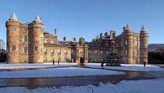 Edimburgo (Escocia) Holyrood Palace http://maleta-en-mano.blogspot.com.es/2014/04/edimburgo-old-town.html
