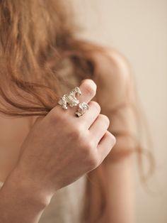 http://www.machajewelry.com/un-done/un-done/tumbledown-ring-silver