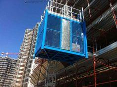 CONSTRUCTION LIFT Construction Lift, Ferris Wheel, Fair Grounds, Italy, Travel, Italia, Viajes, Destinations, Traveling