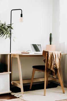 What a better time to support Aussie than now. And you're doing just that when you're purchasing the Koala wfh Desk. It's a desk made of hand-sanded, high-grade, sturdy 18mm ply and finished with a beautiful birch veneer, so it's tough as nails, but easy on the eyes. The best bit? It'll have you as organised as your trusty mate in the 12th grade. Featuring smart features that make all the difference - cable management, bag hook and gutters for your phone. Now that's what you call a desk. Desk Styling, Interior Styling, Interior Decorating, Study Room Decor, Sofa Home, Bed Base, Reno, Bookshelves, Living Room Furniture