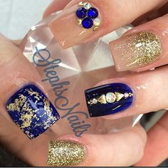 LOVE everything by this nail technician! Nail art ideas | with glitter | ideas de unas