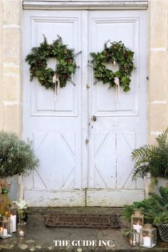 So glad I found this post before I started my Christmas decor shopping this year!! I have been looking for decorated Christmas wreaths for this year's Christmas! Christmas Wreaths For Windows, Christmas Decorations For The Home, Christmas Ideas, Funny Travel, Travel Scandinavia, Adventure Quotes, Travel Mugs, Travel Quotes, Time Travel