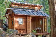 Tiny house in the woods of Sonoma County, California. Photo by Benjamin Chun.