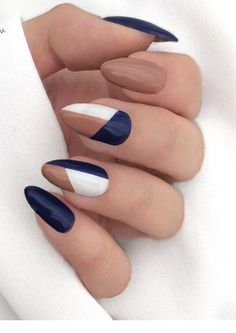 Discover our semi-permanent nail polish for the perfect manicure . - Discover our semi-permanent nail polish for the perfect manicure … # nail polish - Stylish Nails, Trendy Nails, Cute Nails, Minimalist Nails, Minimalist Art, Nail Polish, Nail Manicure, Nail Gel, Pedicure