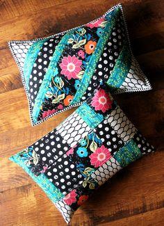 Maureen Cracknell Handmade: A Pair of Pillows : :