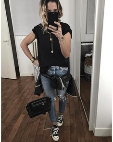 "8,351 Me gusta, 113 comentarios - Audrey Lombard (@audreylombard) en Instagram: ""Ressortir les Converse  Bonne soirée! • Leather Jacket #isabelmarant (from @lagrandeboutiquelgb) •…"""