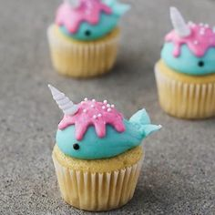 Excellent Christmas cupcakes recipes are available on our web pages. Sea Cupcakes, Cupcakes For Men, Animal Cupcakes, How To Make Cupcakes, Cupcake Cakes, Beste Cupcakes, Girl Cupcakes, Cute Snacks, Cute Desserts