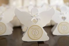 mimo batizado First Communion Favors, Giveaway, Baptism Decorations, Candy Gifts, Box Packaging, Origami, Birthday Parties, Place Card Holders, Party