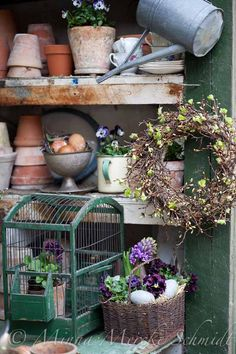 This is my fav potting shed. Garden Shop, Garden Pots, Garden Cottage, Dream Garden, Garden Shed Interiors, Shed With Porch, Shed Decor, Garden Organization, Potting Tables