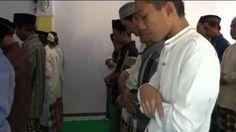 Jamaah Aboge yang tersebar di Kabupaten Probolinggo, pada Rabu pagi, baru melaksanakan shalat idul adha 1437 hijriah, atau selisih dua hari yang sudah ditetapkan pemerintah.