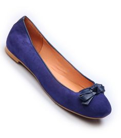 Catty Belly By #Hitz for girls with real leather uppers. Attractive electric blue color, Slim Design, Penny Toe, Colored sole and stacked heel.  #Footwear_for_Women #Women_Footwear_Shopping