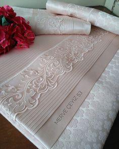 Değerli müşterimiz için çalıştığımız komple somon rengi pike setimiz.. Sağlıklı güzel günlerde kullanması dileğiyle 💕💕 . . .#pikeseti… The Day Today, Luxury Bedroom Design, Bed Sheet Sets, Luxurious Bedrooms, Marie, Diy And Crafts, Product Launch, Sewing, Model