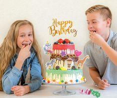 Versier je dripcake zoals jij dat wilt! Happy Birthday, Birthday Cake, Jaba, Desserts, Food, Bavarian Cream, Seeds, Happy Brithday, Tailgate Desserts