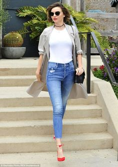 fashion, street style, and miranda kerr image Estilo Miranda Kerr, Miranda Kerr Style, Celebrity Jeans, Celebrity Style, Star Fashion, Fashion Models, Rihanna, Casual Outfits, Fashion Outfits