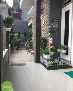 23 Clever DIY Christmas Decoration Ideas By Crafty Panda Modern Minimalist House, Minimalist Garden, Modern House Design, Ikea Bedroom Design, Home Room Design, Bedroom Decor, Cute Room Decor, Garden Deco, Quirky Home Decor