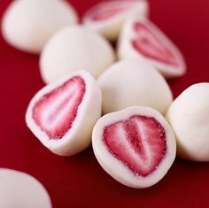 healthy treat: Frozen Yogurt Strawberries