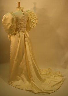Lovely back view of the 1893 wedding dress.