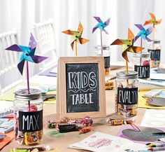 Wedding with kids - You Have To See This Colorful DIY Wedding Kids Table! – Wedding with kids Kids Table Wedding, Wedding With Kids, Diy Wedding, Wedding Favors, Wedding Reception, Dream Wedding, Wedding Decorations, Wedding Day, Table Decorations