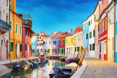 Includes useful information to plan your trip to Venice Italy: the top must see destinations, travel tips, history, food, things to do Italy Destinations, One Day Trip, Day Trips, Visit Venice, Puzzle Of The Day, Under The Tuscan Sun, Colourful Buildings, Colorful Houses, Mykonos
