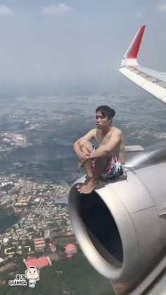 🐝Dëni_DöLLš®©™☕'s post in Anak Nongkrong bar. Stupid Funny Memes, Haha Funny, Hilarious, Funny Vid, Funny Clips, Reaction Pictures, Funny Pictures, Funny Photoshop, Photoshop Celebrities