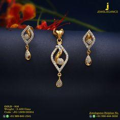 Jewellery Organizer Deals in Jewellery Stores In New York minus Jewellery Box Gift Gold Jhumka Earrings, Jewelry Design Earrings, Gold Earrings Designs, Gold Jewellery Design, Pearl Stud Earrings, Pendant Jewelry, Gold Jewelry, Diamond Earrings, Small Earrings