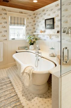 Bathtub Surround Ideas. Freestanding Bathtub Surround. #BathtubSurround Clever way to fill space behind the claw foot tub