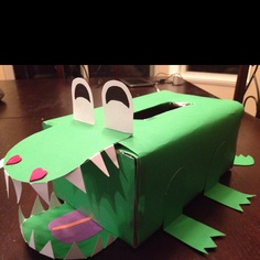 croc valentines box move the hole to the mouth - Soccer Valentine Box