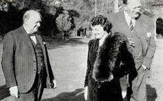 Сэр Уинстон Черчилль, Жаклин Леди Лэмпсон, баронесса Кillearn и лорд Майлз Лэмпсон, барон Киллирн