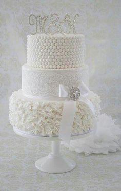 White wedding cake. Cakesdecor.com