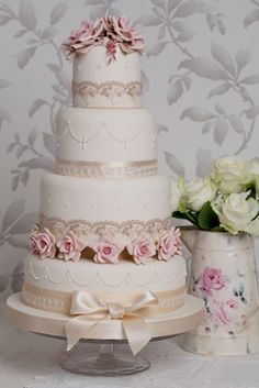 Rachelles Beautiful Bespoke Cakes, wow she is really talented, all her cakes are beautiful!