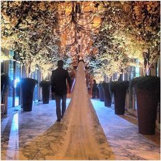 10 Breathtaking Wedding Aisles You Need To See to Believe. www.maxviral.com #lifestyle #wedding