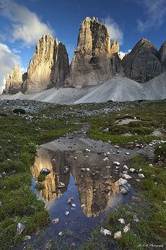 Drei Zinnen, Three peaks of Loredo, Dolomites, Italy Italy Vacation, Italy Travel, Cool Places To Visit, Places To Travel, Sella Ronda, Ravello Italy, Siena Italy, Italy Landscape, Summer Landscape