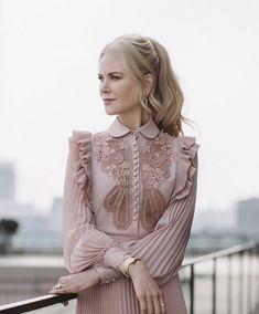 I think Nicole Kidman always looks classy and feminine. Cute Dresses, Vintage Dresses, Beautiful Dresses, Vintage Outfits, Vintage Fashion, Party Dresses, Trend Fashion, Look Fashion, Womens Fashion