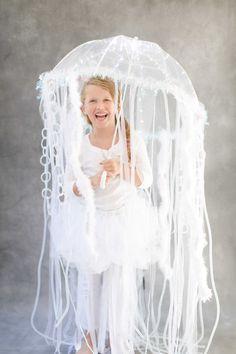 DIY kid costume jellyfish