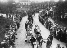De Graafschapse folklore als schouwtoneel; folkloristische optocht #Gelderland #Achterhoek