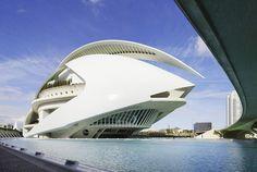 Santiago Calatrava Valencia  #SantiagoCalatravaArchitecture Pinned by www.modlar.com