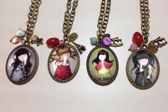 Colgantes gorjuss 3€ Holly Hobbie, Paper Dolls, Sculpting, Resin, Clay, Pendant Necklace, Pictures, Jewelry, Tejido