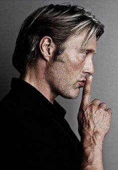 Mads Mikkelsen Source: Click image to close this window