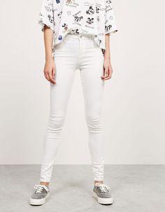 Jeans BSK super skinny regular waist. Descubre ésta y muchas otras prendas en…