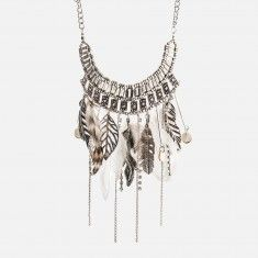 Collier colossal avec breloques et plumes Accessories, Jewelry, Fashion, Necklaces, Jewels, Feathers, Jewlery, Moda, La Mode