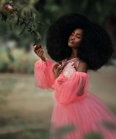 Big Afro, Here On Earth, Lucy Stevens, Fine Art Photography, Hair Goals, Breast, Wonder Woman, African Americans, Superhero