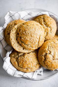 Paleo Bread, Paleo Baking, Gluten Free Baking, Paleo Diet, 30 Diet, Paleo Food, Dairy Free Hamburger Buns, Gluten Free Buns, Paleo Running Momma