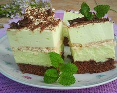 To był hit na świątecznym stole. Mięciutkie, nie za słodkie ciasto, bardzo orzeźwiające i cudownie miętowe. Podczas pieczenia go cały dom pachniał miętą. Na pewno jeszcze nie raz je zrobię. Sweet Recipes, Cake Recipes, Dessert Recipes, European Dishes, Cake Bars, Sweets Cake, Polish Recipes, Homemade Cakes, Cake Cookies